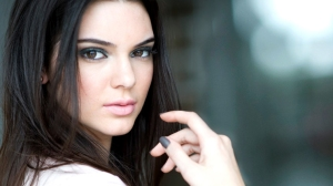 kendall jenner brown eyes